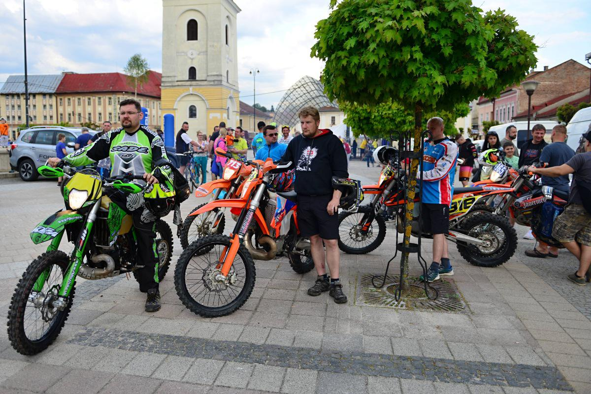 obr: Enduro 2018. V Brezne pretekali motocyklisti zo Slovenska, ako aj z okolitých krajín