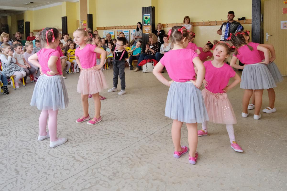 obr: Detské Chalupkovo Brezno sa prinavrátilo k ľudovým tradíciám a folklóru