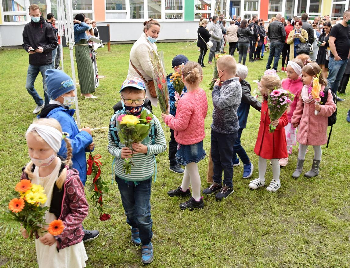 obr: Do základných škôl v Brezne nastúpilo 1638 žiakov, z toho 179 prváčikov