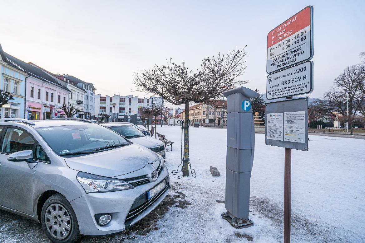 obr: Od 1. februára budú v Brezne platiť nové podmienky parkovania
