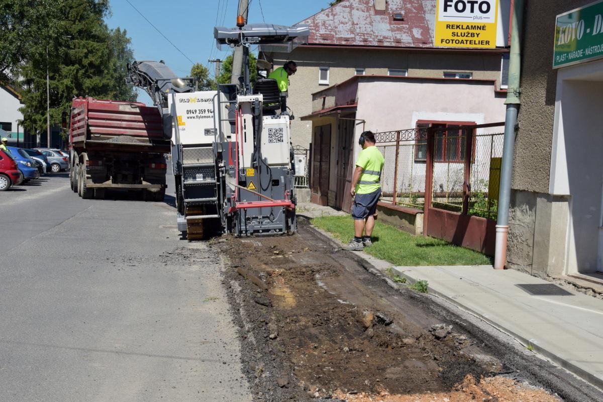 obr: V Brezne pribudnú stovky metrov nových chodníkov
