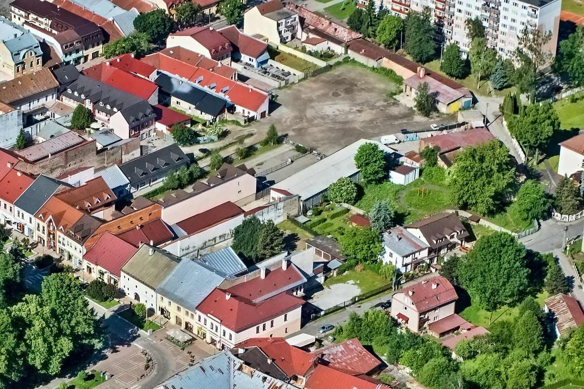 Uzavretie centrálneho parkoviska v meste