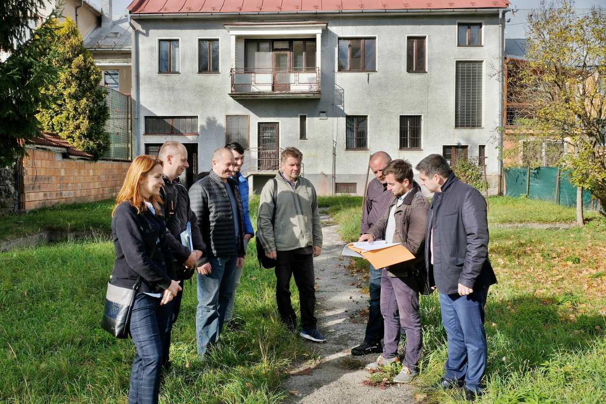 Mesto začína s výstavbou Domova pre seniorov na Ulici Boženy Němcovej