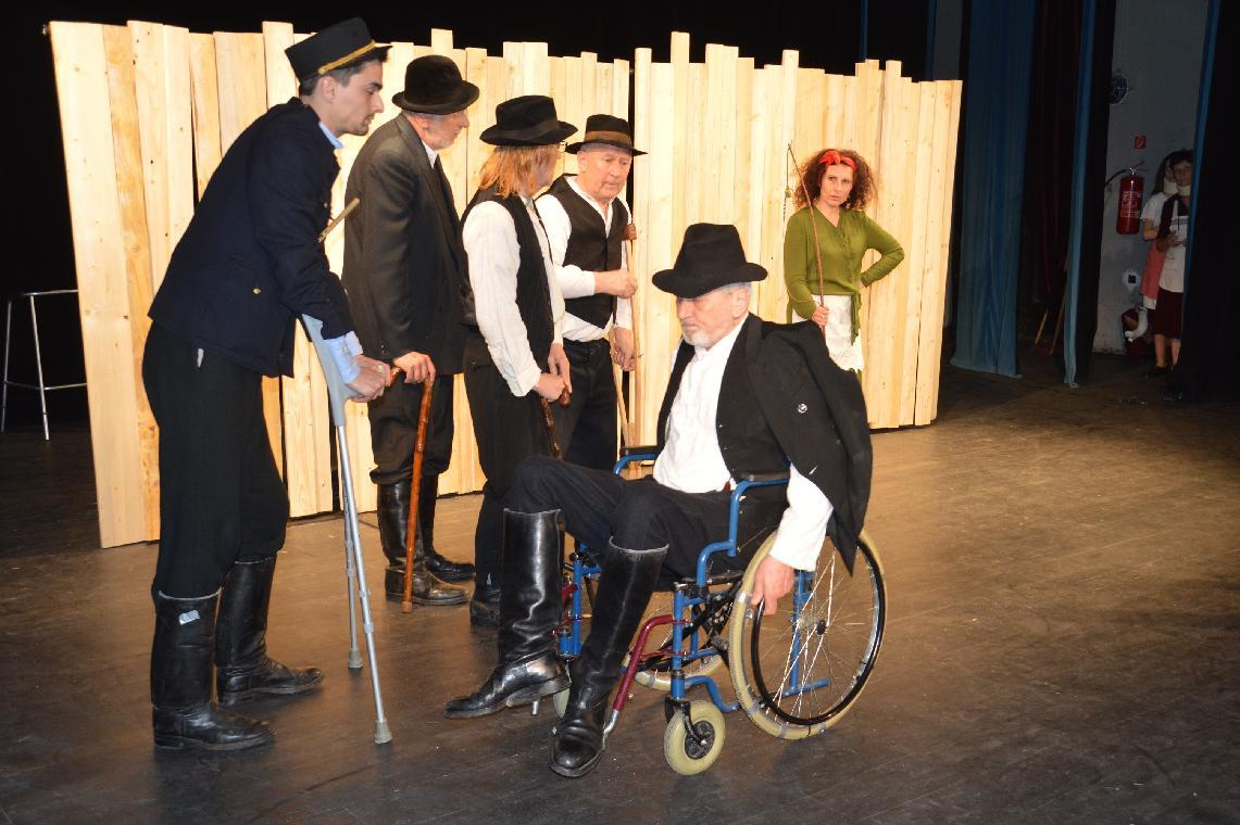 Chalupkovci na sociálnej sieti odvysielali úspešnú divadelnú hru Trinásta hodina