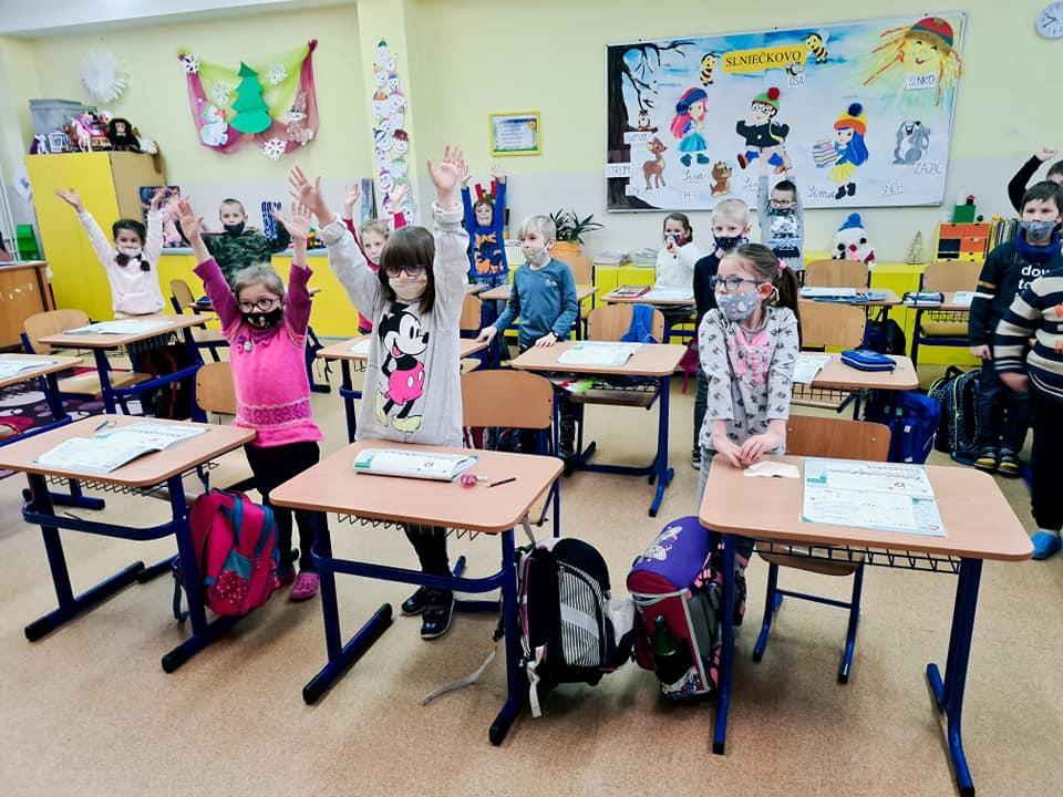 obr: Napriek informačnému chaosu základné školy vBrezne prípravu na prezenčnú výučbu zvládli úspešne