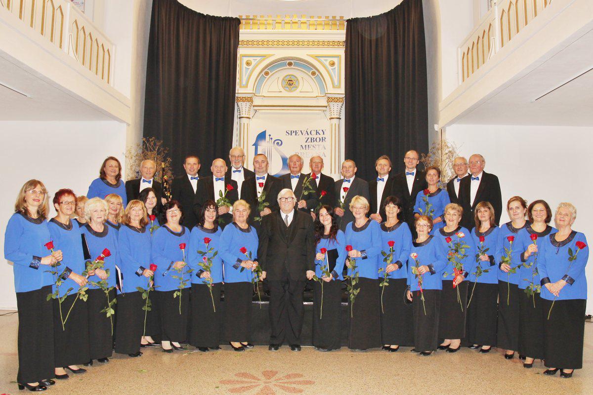 obr: Spevácky zbor mesta Brezna oslávil štyridsiatku