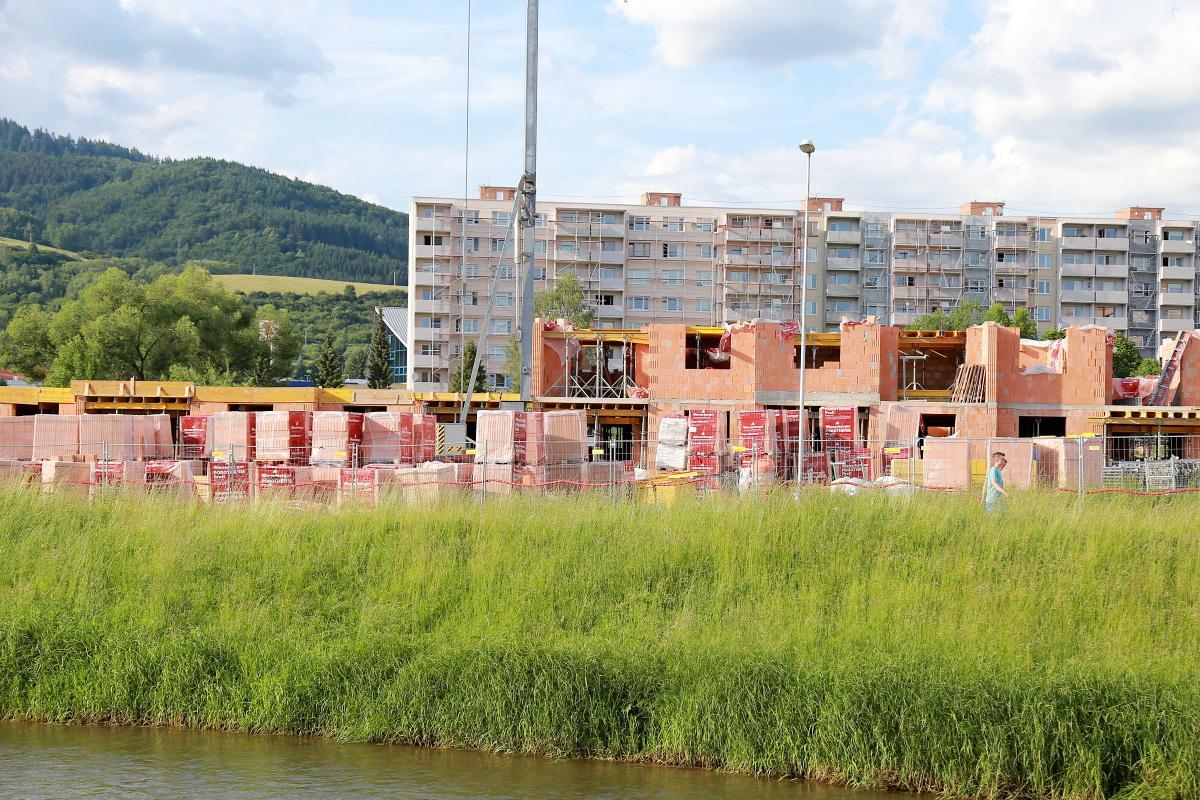Do nových bytov by sa nájomcovia mohli sťahovať už na budúci rok