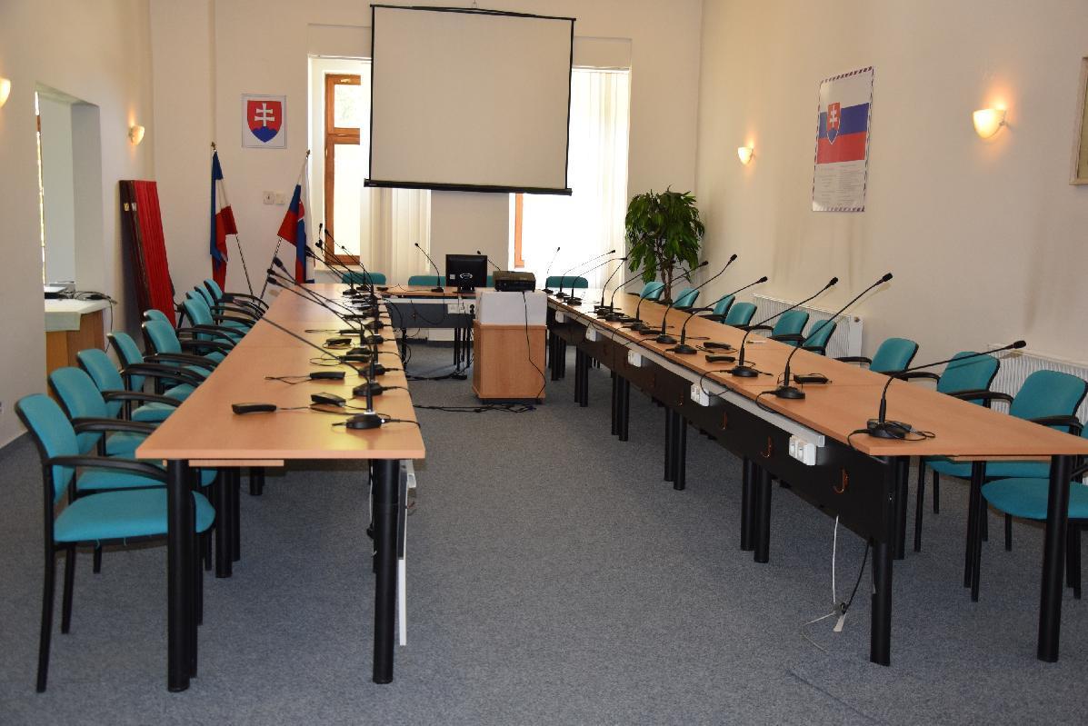 Poslanci mestského zastupiteľstva rokovali vrúškach