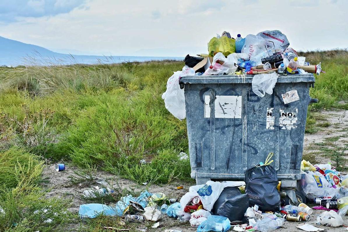 Nie, všetok vytriedený odpad nekončí na jednej kope ani na jednej skládke !