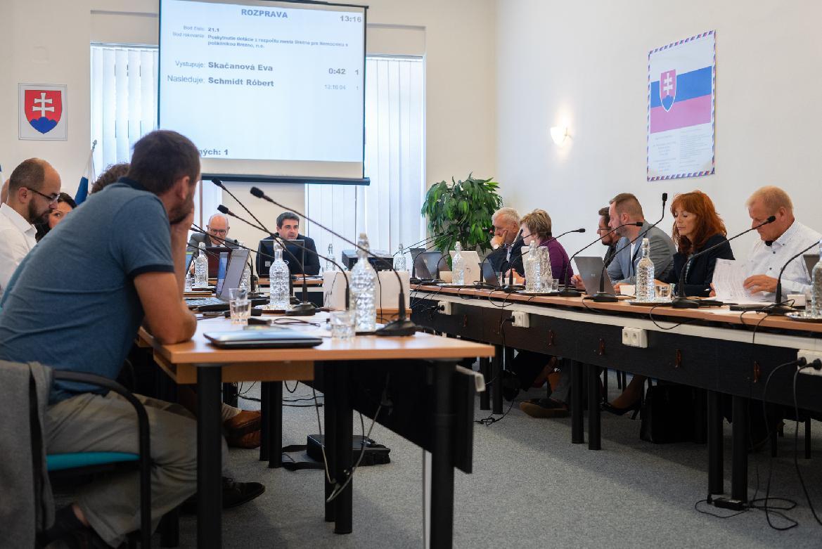 obr: Poslanci schválili podanie žiadostí onenávratný finančný príspevok na realizáciu štyroch projektov
