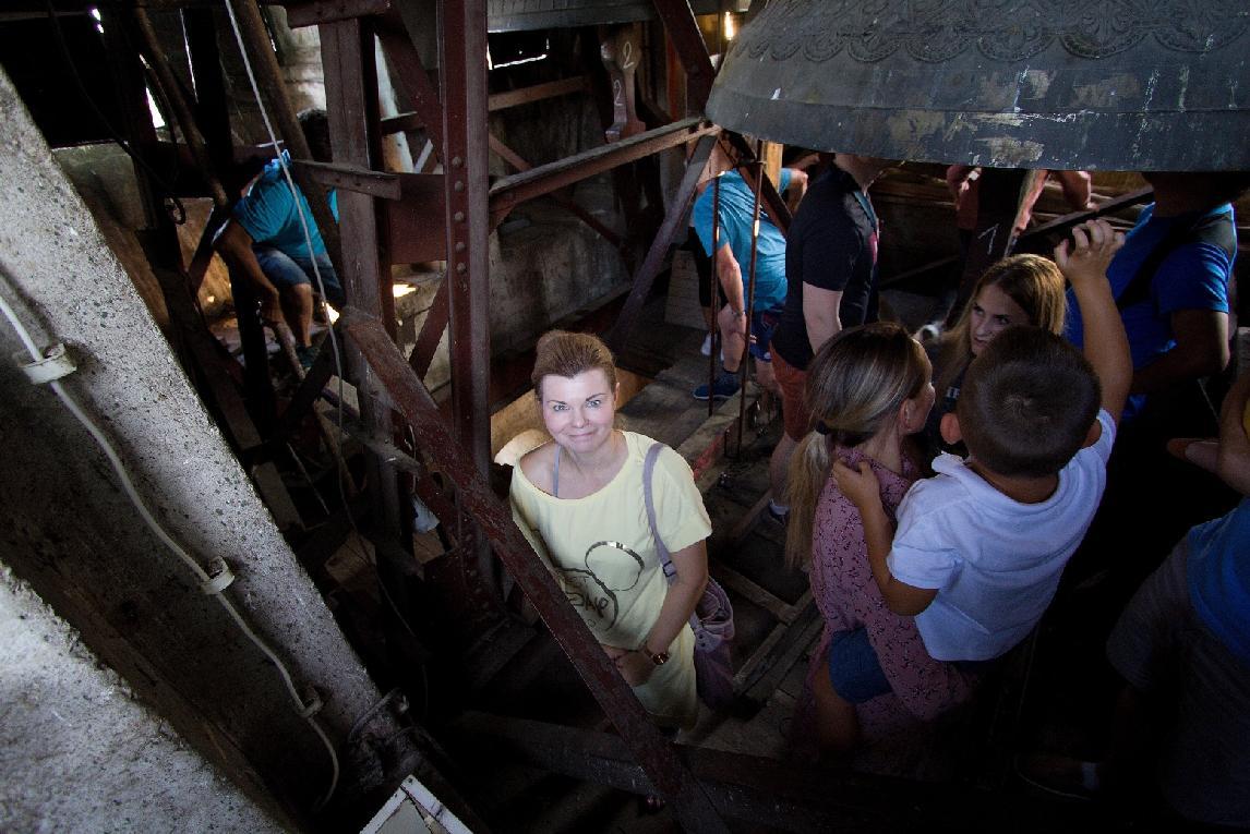 O prehliadku veže evanjelického kostola pred veľkou opravou zvonov bol záujem väčší ako sa očakával