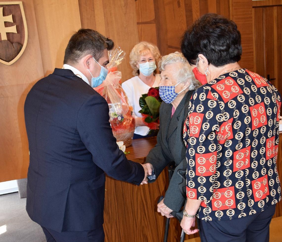 V obradnej sieni primátor zablahoželal 90-ročnej jubilantke