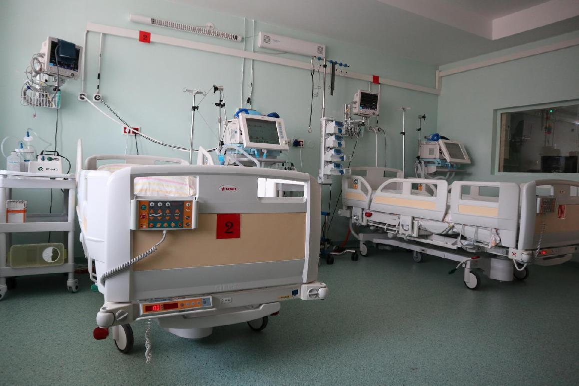 obr: Situácia vnemocnici začína byť vážna. Čoraz viac pozitívnych je zradov zdravotníckeho personálu