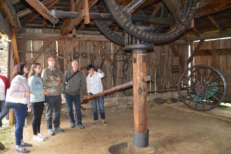 Návštevníci Svetového dňa cestovného ruchu vBrezne zavítali do mangľa aj mestskej veže