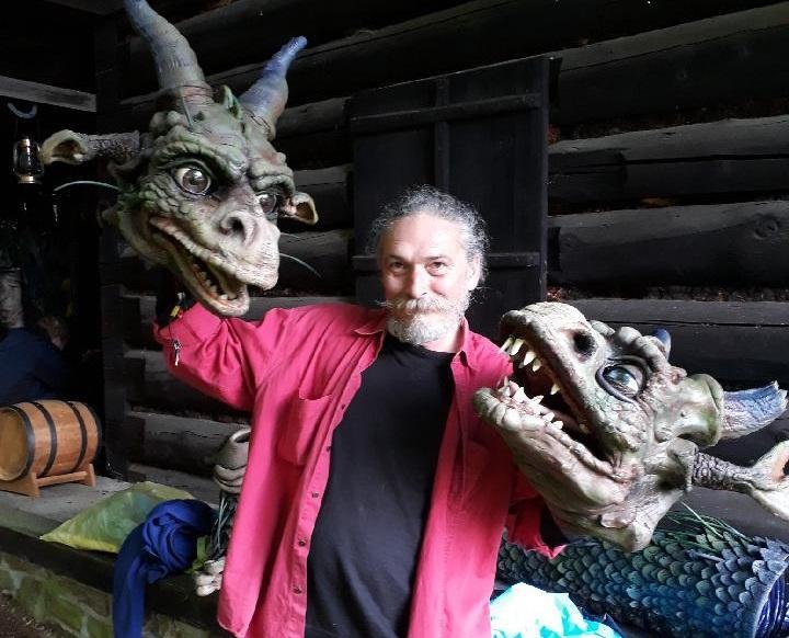 V breznianskej synagóge sprístupnili jedinečnú výstavu divadelných bábok a rekvizík s názvom Bábky s dušou