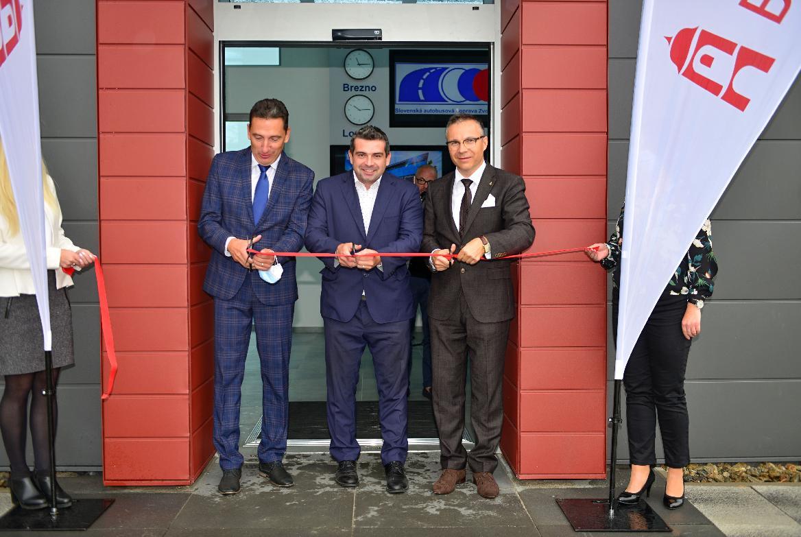 obr: Moderná autobusová stanica v Brezne je už otvorená cestujúcej verejnosti