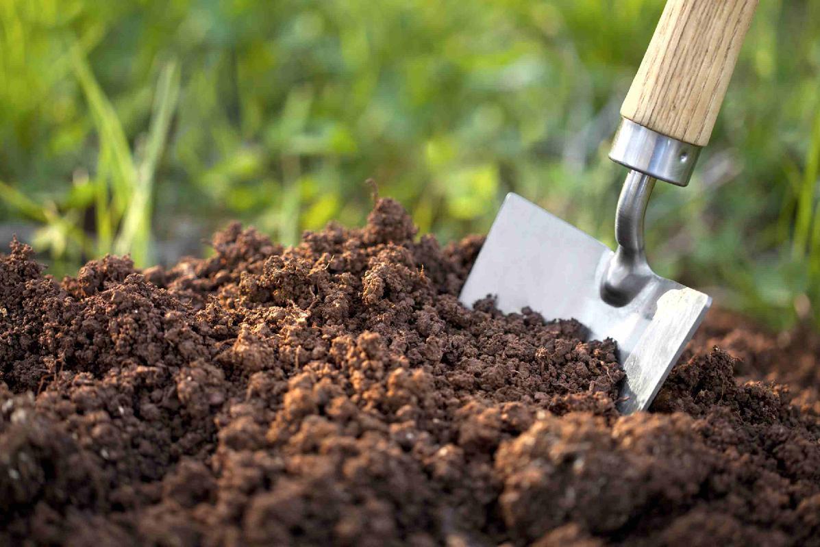 obr: Pre mestský kompostér si treba prísť. Najlepšie autom