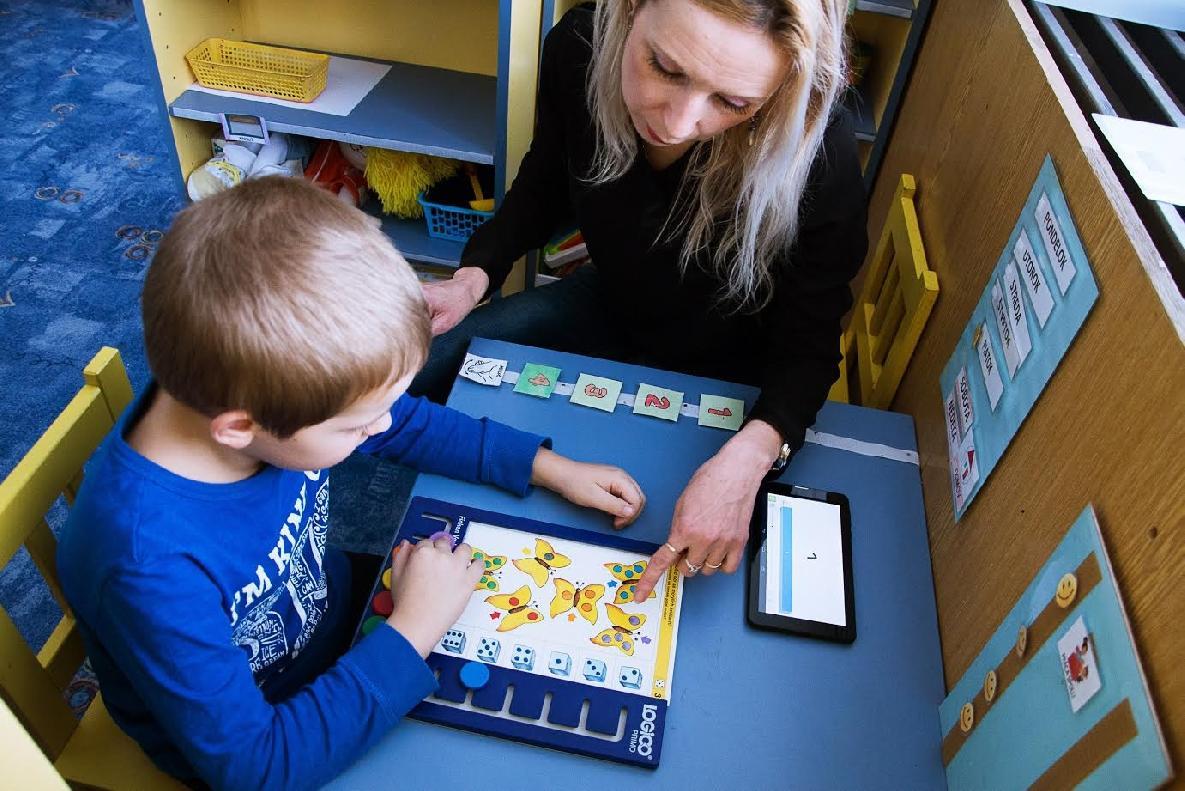 obr: V Brezne otvoria dve historicky prvé triedy pre deti s autizmom