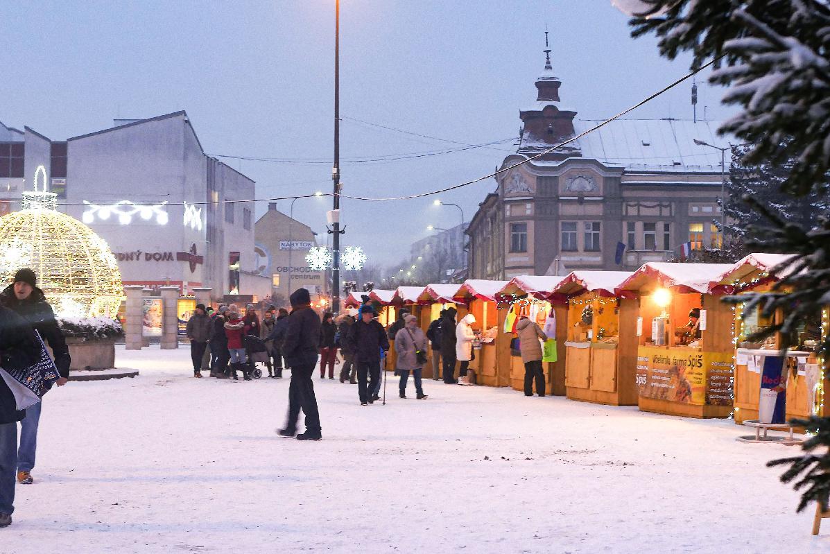 K sviatočnej atmosfére v Brezne prispejú aj vianočné trhy