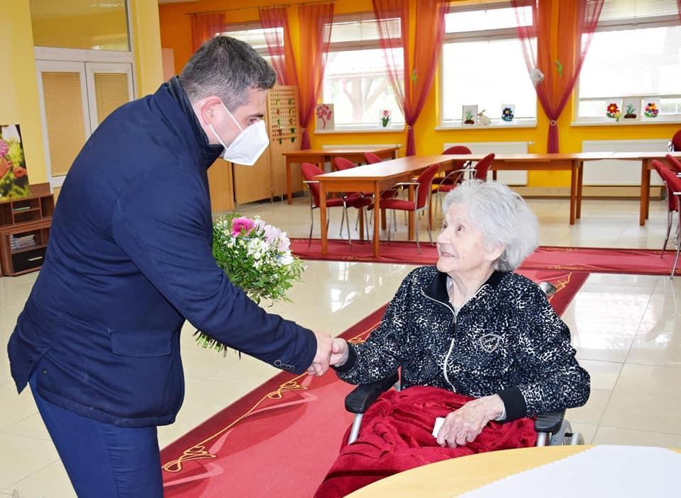 obr: Primátor zablahoželal 100-ročnej jubilantke